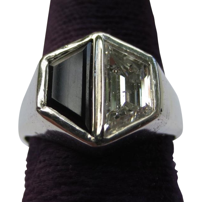 Fabulous Art Deco Diamond & Onyx 18k White Gold Hexagon Ring