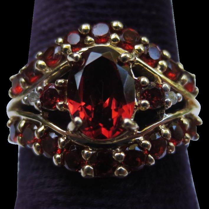 10K Gold Vintage Garnet & Diamond Ring