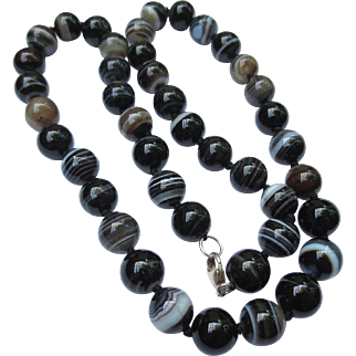 Victorian Banded Scottish Agate Antique Beaded Necklace
