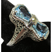 Edwardian 18k White Gold Aquamarine Filigree Bow Ring