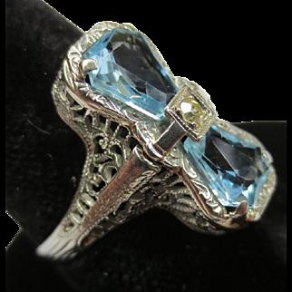 Edwardian 18k White Gold Aquamarine Filigree Bow Ring
