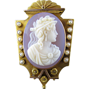 Victorian Cameo Hardstone Brooch / Pendant with Pearls in 18KYG