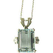 Aquamarine Pendant in Platinum Art Deco