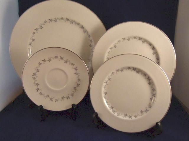 4 Royal Doulton Cadence China Pieces TC1007
