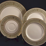 Royal Doulton English Renaissance Pattern H4972 Green Gold Scrolls