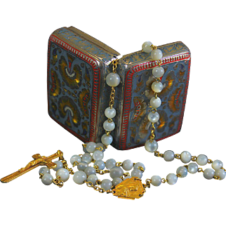 1935 Rare Solid 18K. Gold and Mother of Pearl Rosary Late Art Deco with Enamel Box