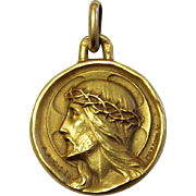 18 K Solid Gold Medal Pendant of Jesus - Ecce Homo - Carved by Mazzoni