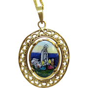 1920's Two sided Medal Mary Lady of Fatima Hand Painted Miniature in 18K Solid Gold Frame - Rare