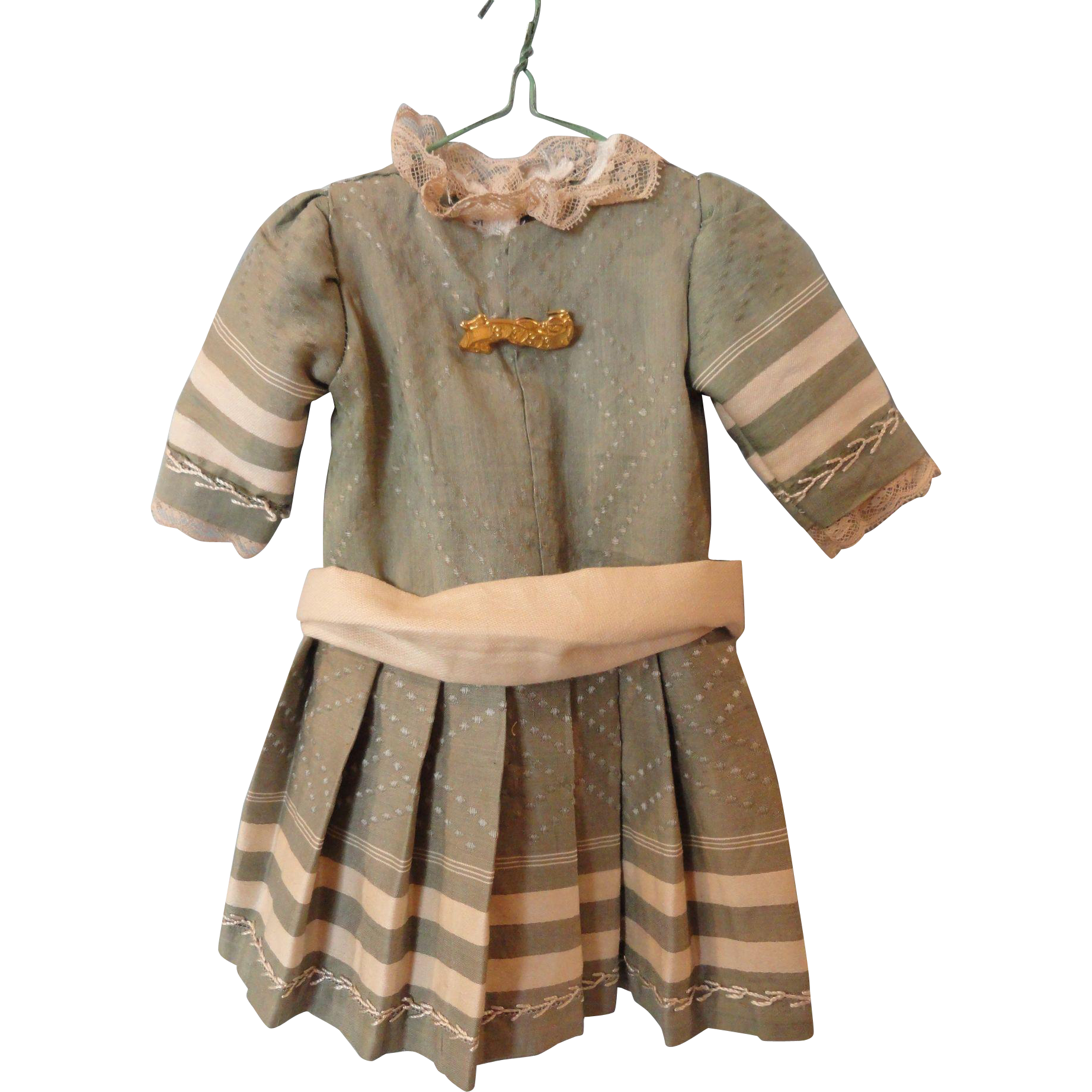"Sweet Sage Green Dress for 16"" Doll"