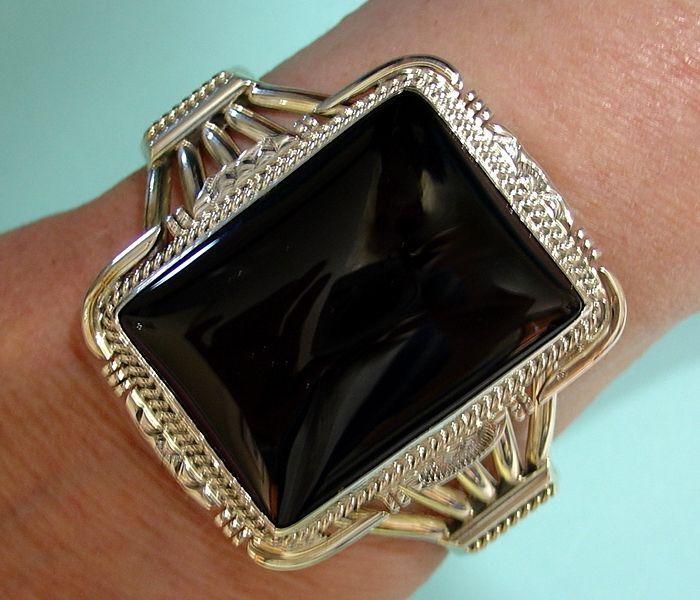 Vintage Native American Sterling Black Onyx Cuff Bracelet.