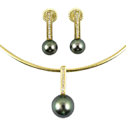 18K Tahitian Pearl Diamond Necklace and Earring Set (Cultured)