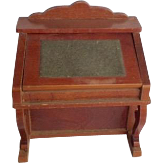 Schneegas Golden Oak  German Desk ca. 1880-1900