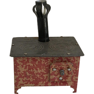 Wonderful Small Scale Tin Dollhouse Stove