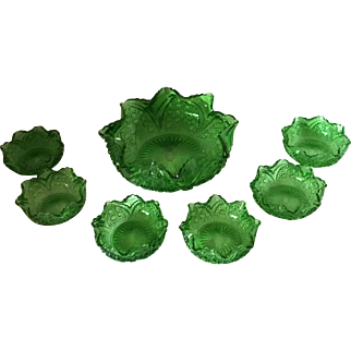 EAPG 7 Piece Berry Bowl Set