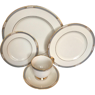 Lenox McKinley 5 Piece Place Setting