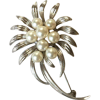 Sterling Silver Mikimoto Brooch/Pin With Cultured Pearls