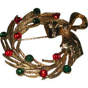 Vintage Gold Tone Rhinestone Christmas Wreath MYLU marked