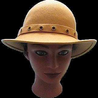 Vintage Camel Tan Doeskin 100% Wool Felt Ladies/ Women's Designer Hat  Geo. W. Bollman & Co. U.S.A.