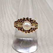 Pearl Solitaire Ring in 14k Gold Setting