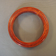 Bakelite 3-tiered Red-Marbled Bangle