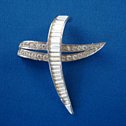 BOUCHER Cross Styled Pin