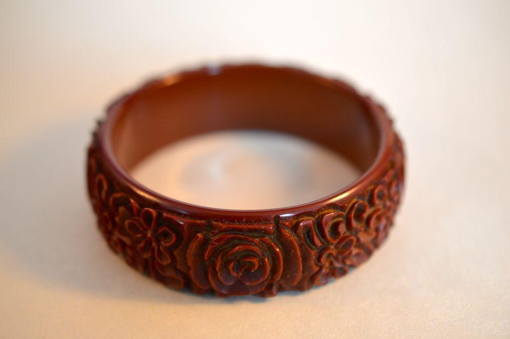 Carved Bakelite Rosettes  Bracelet