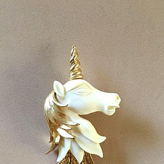 Vendome Unicorn Pin