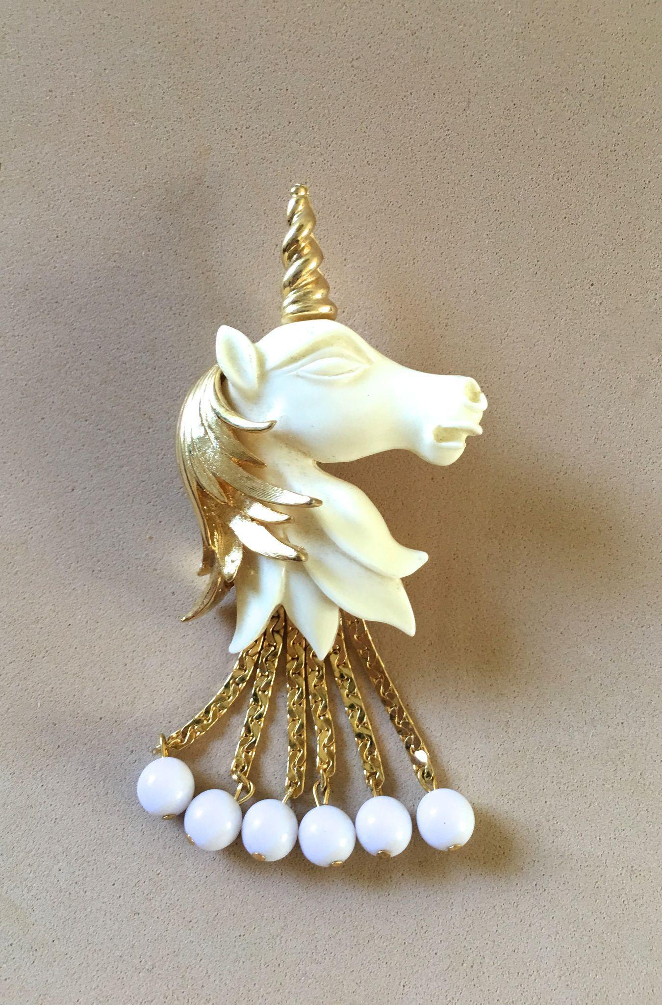 Vendome Unicorn Pin