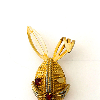 Sarah Coventry Winking Bunny Pin