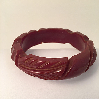 Handcarved Leaf Bakelite Bangle