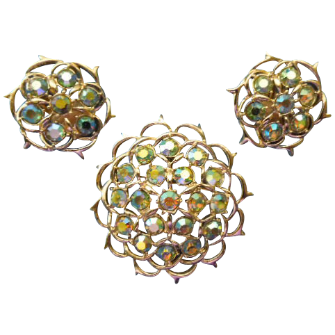 "Sarah Coventry ""Lime-Light"" brooch earring Set"