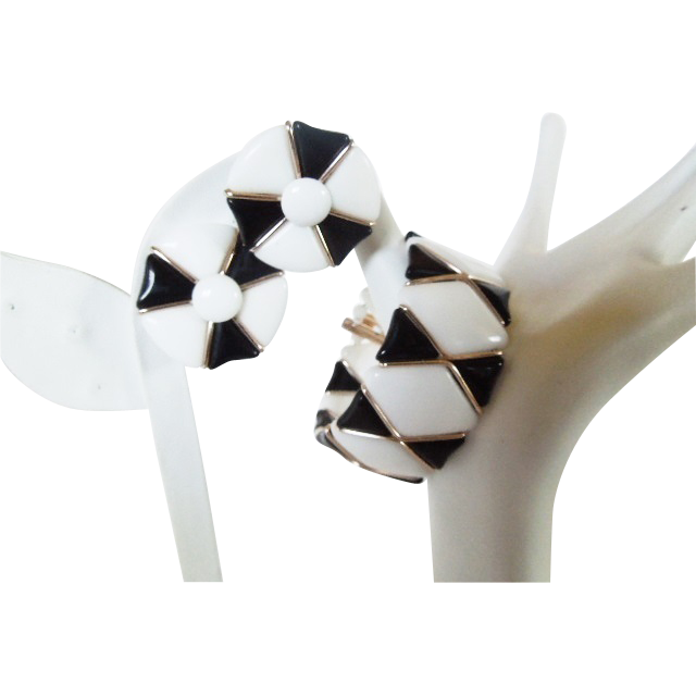 Vintage Western Germany Classic Black and White split Cuff bracelet and earrings set