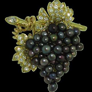 Vintage 18K Julius Cohen Black Pearl Diamond brooch