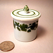 Meissen Full Green Vine Ink Well
