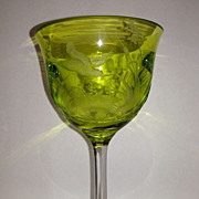Light Peridot Green Moser Whisky-Birds of the Wild Goblet