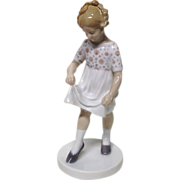 "Charming Bing & Grondahl ""Good Toes Bad Toes"" Figurine"