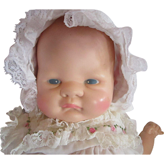 VOGUE Baby Dear doll clean and adorable 1977 pouty faced baby doll