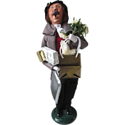 Christmas Byers' Choice Caroler Victorian styled Shopping man with gifts tray figure