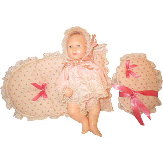 """1980 Effanbee BABY LISA doll with pillows original outfit by ASTRI 10"""""""