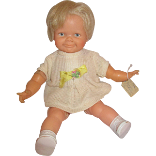 THUMBELINA DOLL by IDEAL 1960's Baby Thumbelina toddler pull string works wiggles