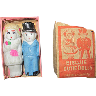 """1940's Bride and Groom bisque cutie dolls 2"""" tall"""