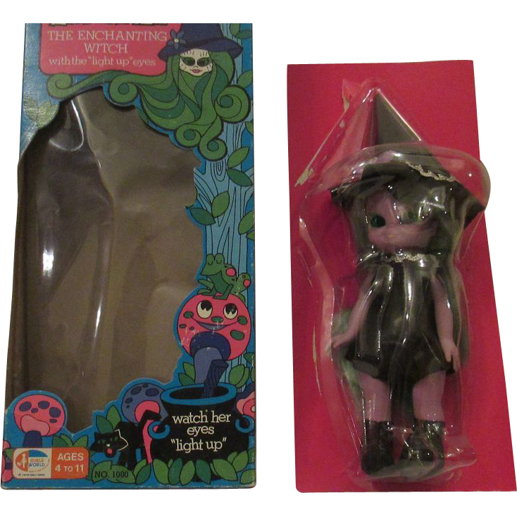 Vintage Emerald The Witch doll 1970's in original box
