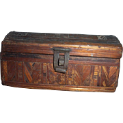 Ladies' straw crafted pine box..c 1800