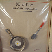 Mintoy Frying Pan, Egg and Egg Turner in Original Box