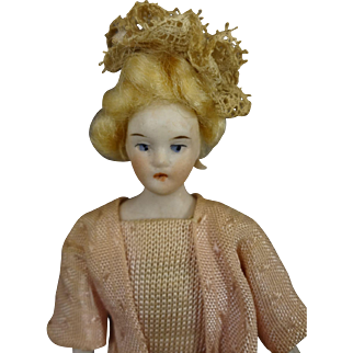 "5 1/2"" Doll House Lady with Blonde Wig"