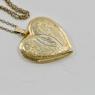 Vintage 1940s Engraved Heart Locket Necklace