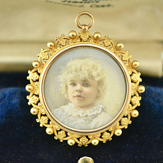 Edwardian 14k Gold Krementz Portrait Brooch/Pendant with Ornate Border
