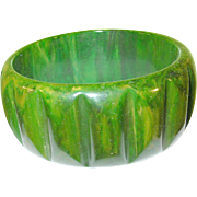 Vintage Bakelite Bangle Marbleized Green