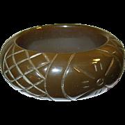 Vintage Bakelite Carved Bangle