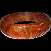 Vintage Bakelite Bangle Carved